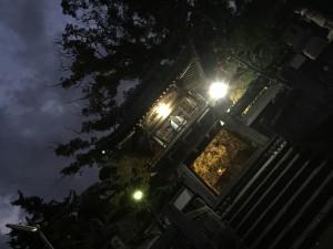 夜の山門(鐘楼堂)